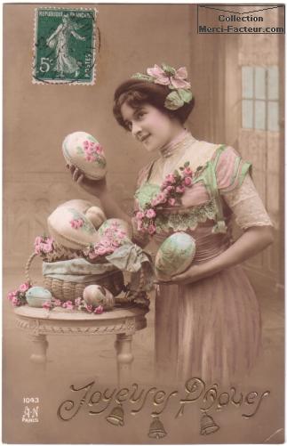 Jolie jeune femme avec oeufs de paques carte postale ancienne